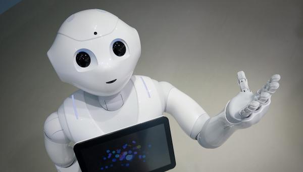 Pepper:一个比你对象更深情的机器人